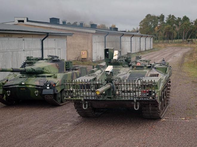 Mục kích xe tăng không tháp pháo kỳ lạ của Thụy Điển - ảnh 10