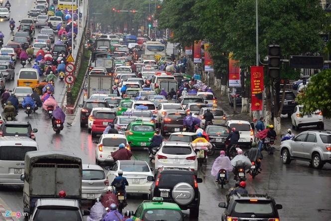 Hà Nội: Kẹt cứng giao thông trên tuyến buýt nhanh BRT - ảnh 11
