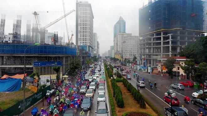 Hà Nội: Kẹt cứng giao thông trên tuyến buýt nhanh BRT - ảnh 1