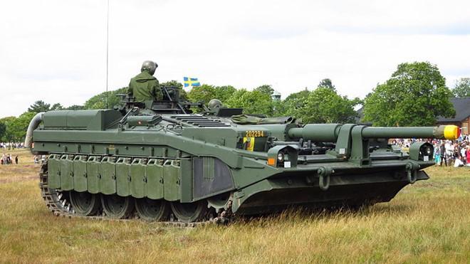 Mục kích xe tăng không tháp pháo kỳ lạ của Thụy Điển - ảnh 1