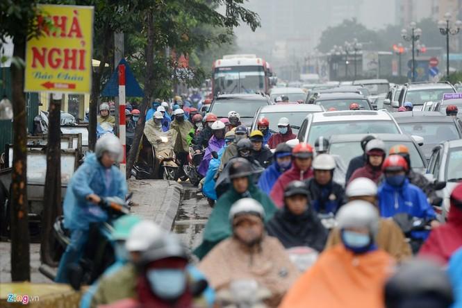 Hà Nội: Kẹt cứng giao thông trên tuyến buýt nhanh BRT - ảnh 5