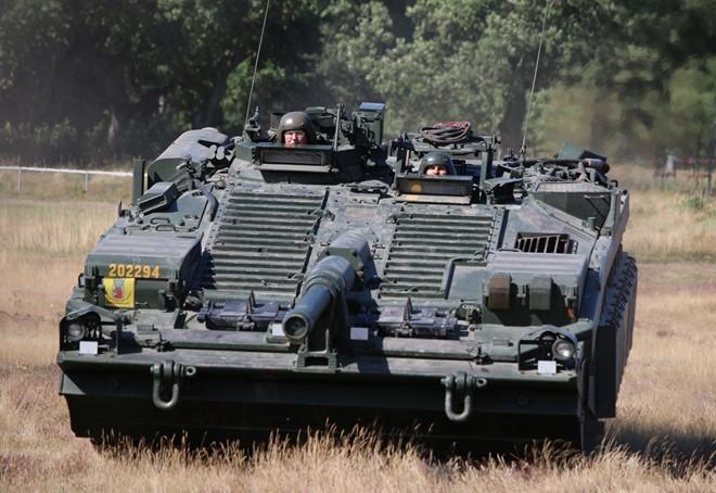 Mục kích xe tăng không tháp pháo kỳ lạ của Thụy Điển - ảnh 5