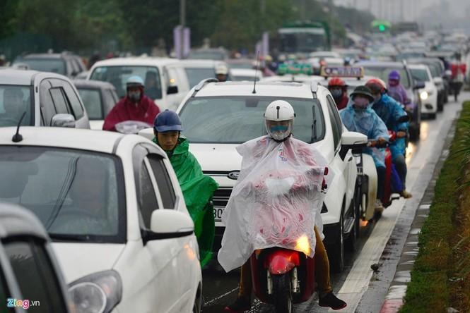 Hà Nội: Kẹt cứng giao thông trên tuyến buýt nhanh BRT - ảnh 6