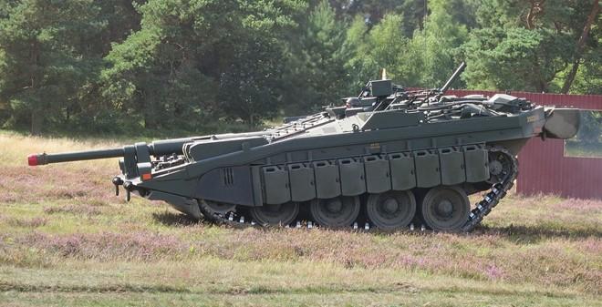 Mục kích xe tăng không tháp pháo kỳ lạ của Thụy Điển - ảnh 6