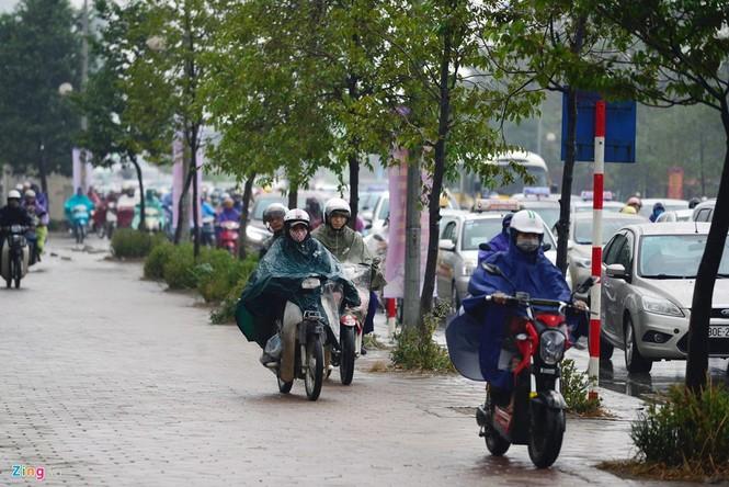 Hà Nội: Kẹt cứng giao thông trên tuyến buýt nhanh BRT - ảnh 9