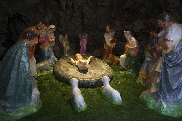 Giáng sinh về bên những nhà thờ tuyệt đẹp ngoại ô Hà Nội - ảnh 15