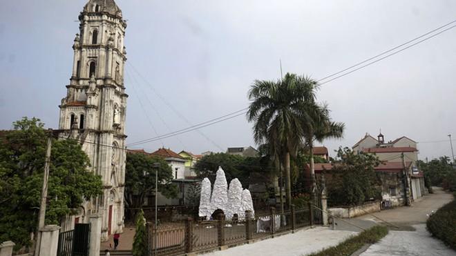 Giáng sinh về bên những nhà thờ tuyệt đẹp ngoại ô Hà Nội - ảnh 1