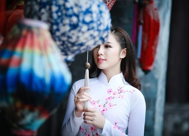 """""""Loa phường"""" Quỳnh Kool đáng yêu trong tà áo dài đón Xuân - ảnh 8"""