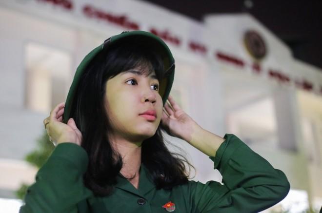 Đêm trước ngày lên đường ngập ngũ của nữ sinh Sài Gòn - ảnh 11