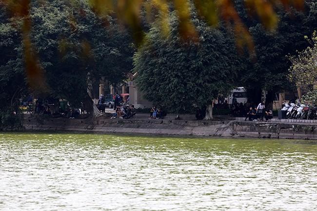 Diện mạo Hồ Hoàn Kiếm trước khi có thông tin nạo vét  - ảnh 10
