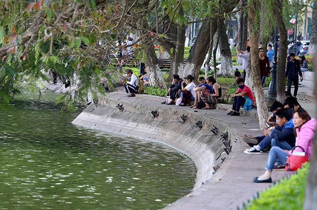 Diện mạo Hồ Hoàn Kiếm trước khi có thông tin nạo vét  - ảnh 11