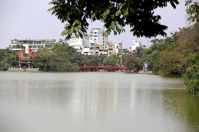 Diện mạo Hồ Hoàn Kiếm trước khi có thông tin nạo vét  - ảnh 4