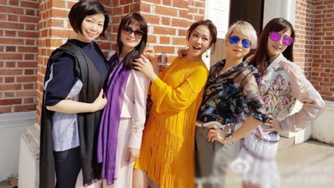 Năm người đẹp 'Lộc Đỉnh Ký' hội ngộ - ảnh 2