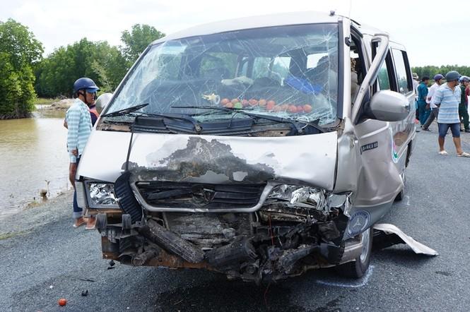 Tin mới về vụ tai nạn kinh hoàng ở Cà Mau: Nhiều nạn nhân chuyển viện - ảnh 2