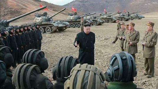 Ông Kim Jong-un ca ngợi sức mạnh của xe tăng Triều Tiên - ảnh 2