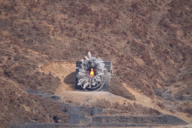 Ông Kim Jong-un ca ngợi sức mạnh của xe tăng Triều Tiên - ảnh 7