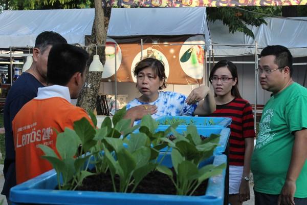 300 gian hàng dự Hội chợ Nông dân xuất sắc thời hội nhập - ảnh 1