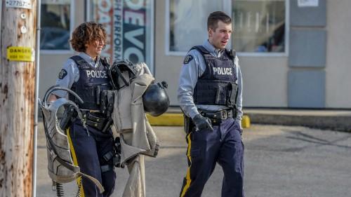 Nhập vai như khủng bố, nam game thủ suýt 'ăn đạn' của cảnh sát  - ảnh 1