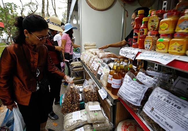 Hơn 300 gian hàng tham gia hội chợ nông sản   - ảnh 11