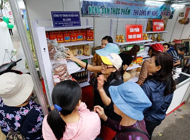 Hơn 300 gian hàng tham gia hội chợ nông sản   - ảnh 15