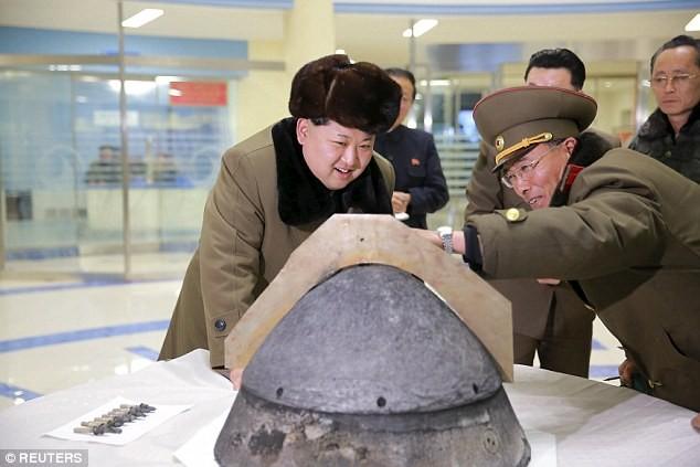 Triều Tiên lấy tiền từ đâu để 'nuôi' tham vọng hạt nhân? - ảnh 1