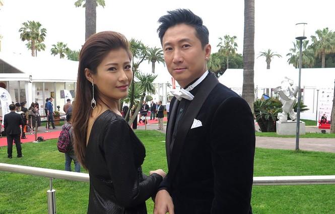 Sao võ thuật Hồng Kim Bảo sánh đôi vợ ở Cannes - ảnh 4