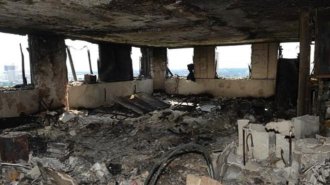 Bên trong căn hộ chung cư 24 tầng bị hỏa hoạn ở London - ảnh 1