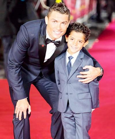 Ronaldo vung tiền cho kế hoạch sinh 'siêu con' - ảnh 2