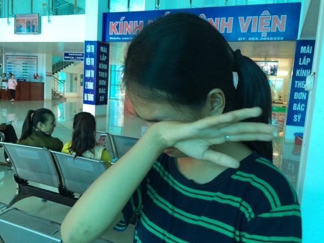 Vụ nữ sinh bị đánh hội đồng đến ngất xỉu: Nhiều đối tượng bỏ trốn - ảnh 2
