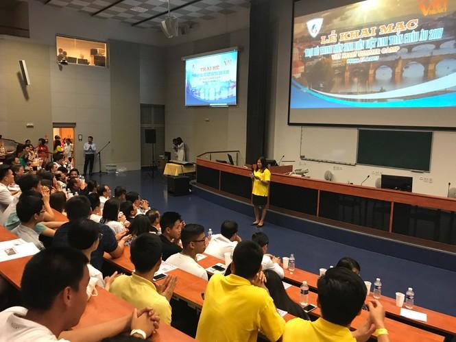 Khai mạc Trại hè thanh niên, sinh viên Việt Nam toàn châu Âu - ảnh 5