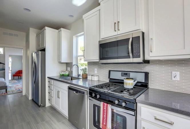 Nhà cấp bốn 55 m2 ở Mỹ tiện nghi như villa nhỏ - ảnh 5