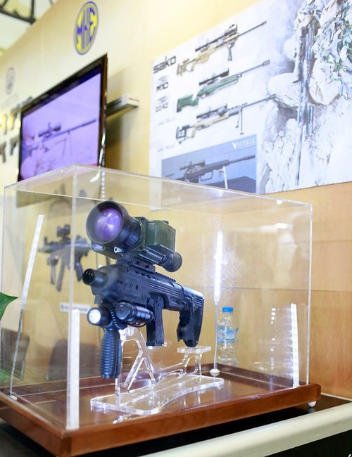 'Mục sở thị' hàng loạt khí tài của an ninh các nước ở Hà Nội - ảnh 4