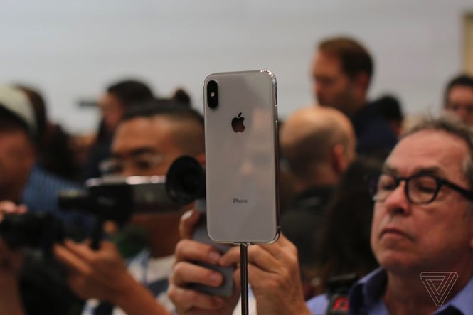 """Cảm nhận ban đầu về iPhone X, mẫu iPhone """"sang xịn"""" nhất của Apple - ảnh 9"""