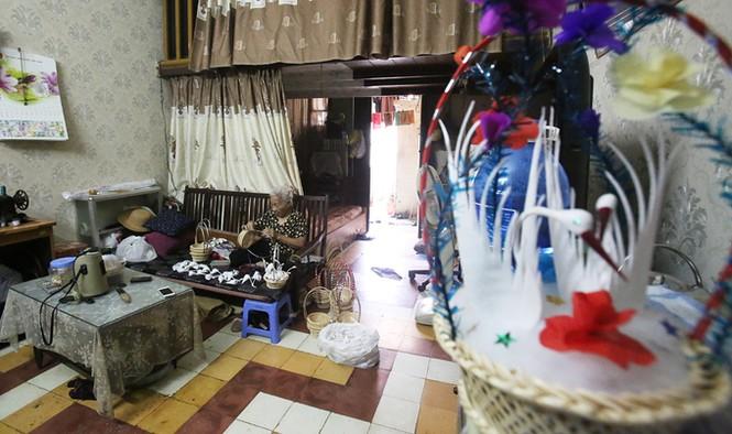 Người phụ nữ hơn 70 năm làm thiên nga bông ở Hà Nội - ảnh 1