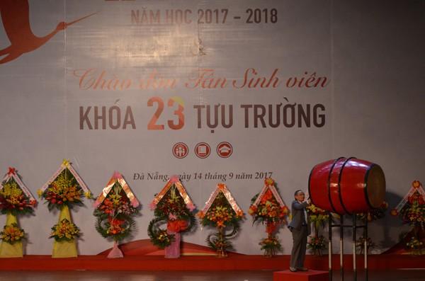 ĐH Duy Tân đón chào hơn 5.000 tân sinh viên - ảnh 1