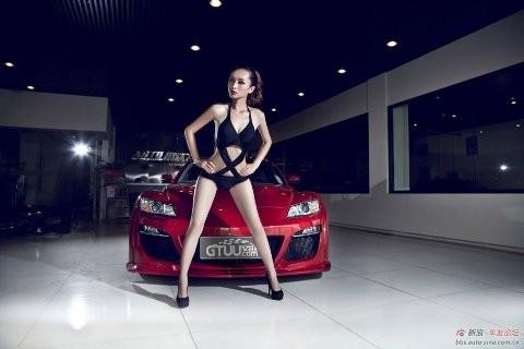 Nhan sắc nóng bỏng bên Mazda RX-8 - ảnh 5