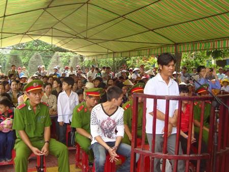Lâm Chí Giang trước vành móng ngựa