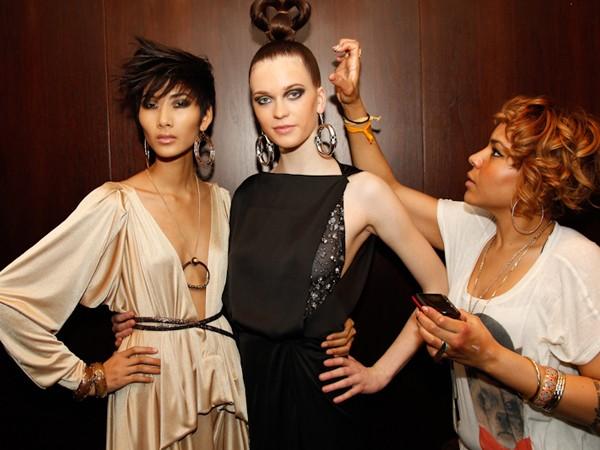 Giới thời trang New York 'để mắt' Hoàng Thùy, Tuyết Lan - ảnh 14