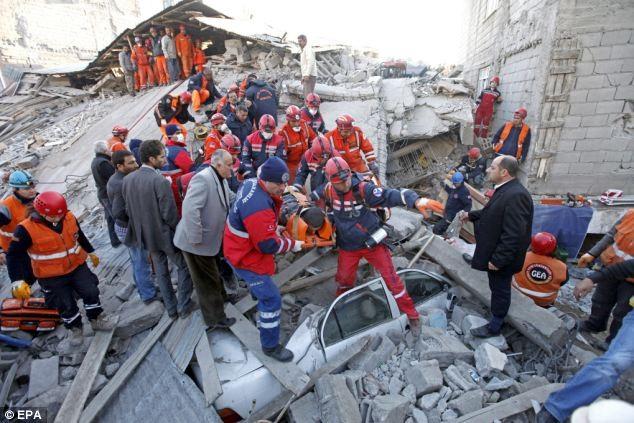 Thổ Nhĩ Kỳ dốc sức tìm kiếm các nạn nhân - ảnh 4