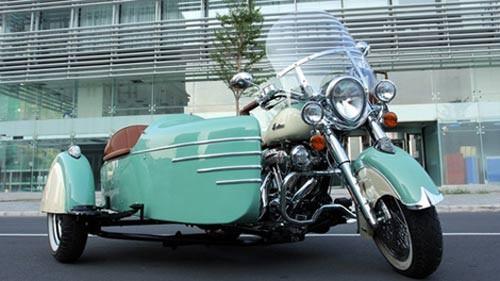 Là dòng xe cao cấp của hãng mô tô lâu đời nhất tại Mỹ Indian Motorcycle, Chief Vintage là sự lựa chọn hàng đầu của các tay chơi cruiser. Chiếc Indian Chief Vintage tại Việt Nam càng đặc biệt hơn khi là phiên bản kỷ niệm 110 năm thành lập của hãng và được độ khá lạ mắt