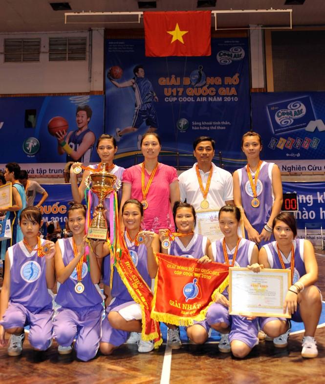 Đội vô địch U17 nữ Quảng Ninh.