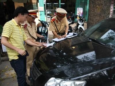 Dự kiến, từ 1-7, Nghị định về xử phạt xe không chính chủ sẽ được thực thi. Ảnh: Xuân Phú