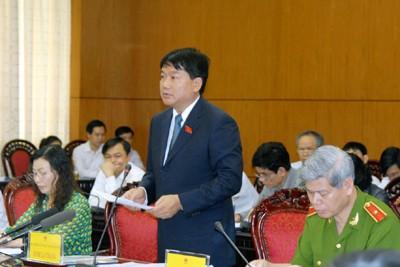Bộ trưởng Đinh La Thăng xin lỗi nhân dân vì chất lượng công trình giao thông yếu kém. Ảnh: Chinhphu.vn