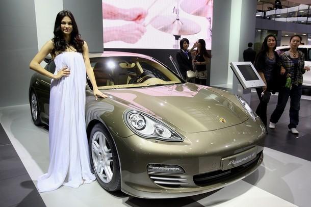 Sẽ có Porsche Panamera hybrid trong năm 2011 - ảnh 1