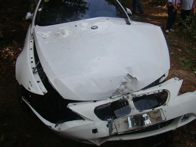 BMW lao vào nhà dân - ảnh 3
