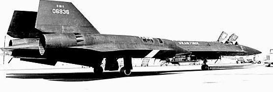 Mẫu thử nghiệm YF-12A thuộc hệ thống máy bay tiêm kích đánh chặn tầm xa AF-12 (Photo of www.wvi.com)