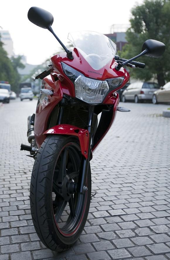 Honda CBR150R 2011: Xe đua 150cc mạnh mẽ - ảnh 4