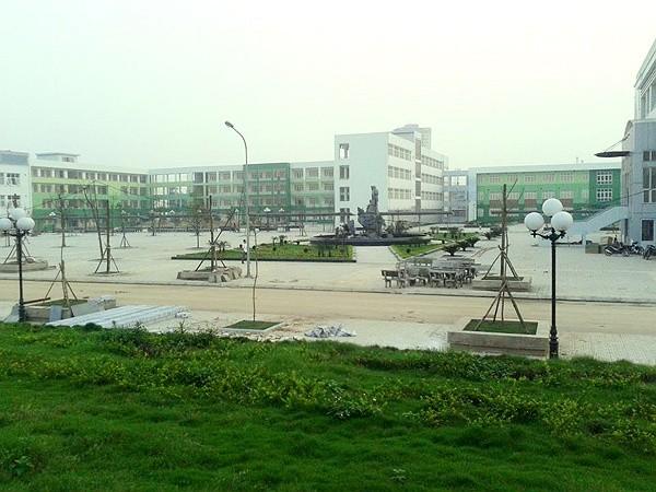Trường THPT chuyễn Nguyễn Huệ mới rộng gấp 4 lần trường cũ với diện tích 5,6 ha ở La Khê, Hà Đông