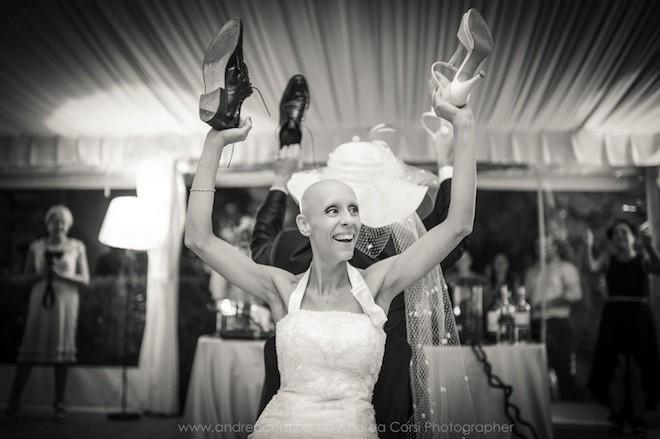 Francesca tự tin vui đùa trong các điệu nhảy…