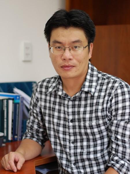 TS Phạm Khánh Nam